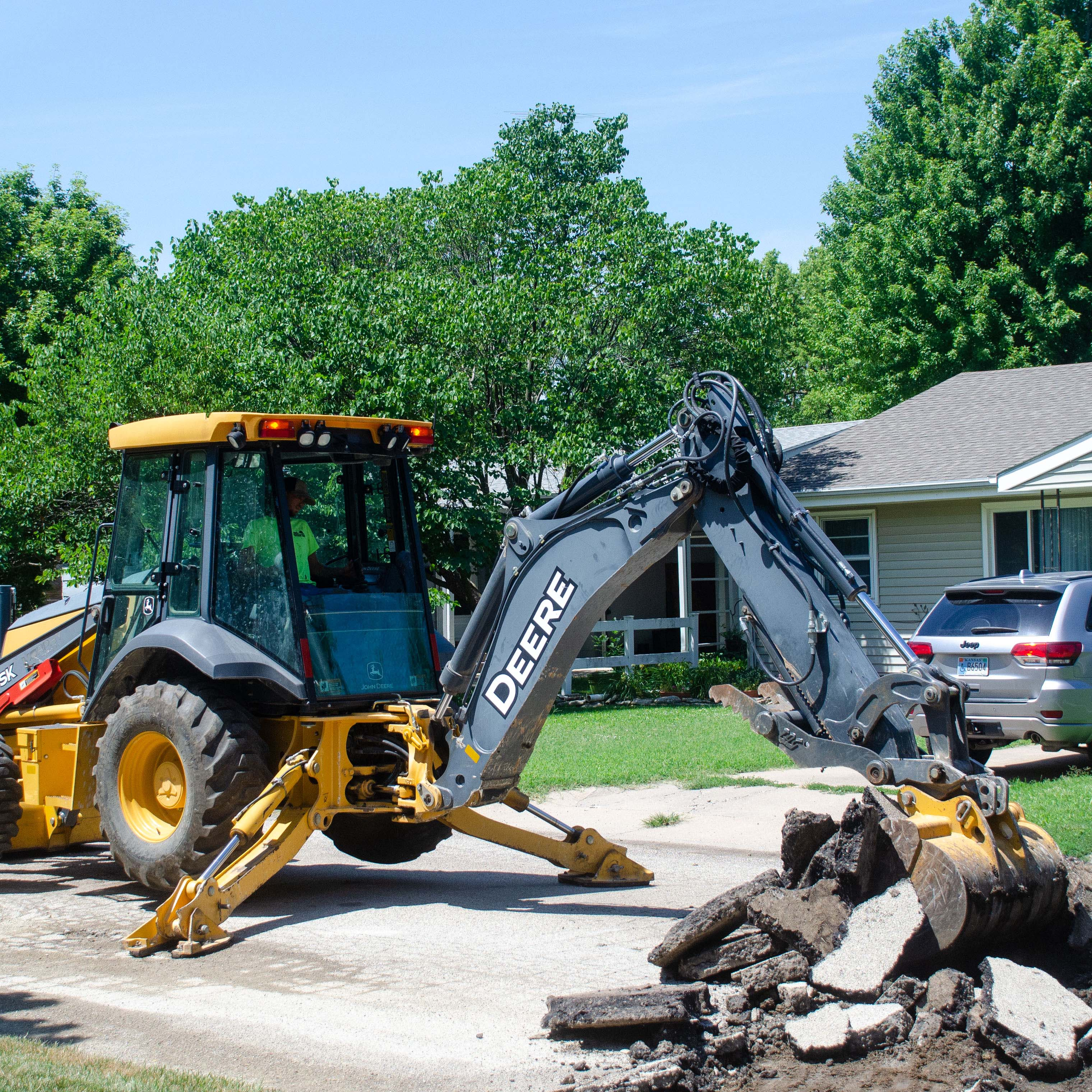 Mona Hein, left, accepts a gift for her years of service from Mayor Dolores Dalke at the Hillsboro City Council meeting Nov. 17. Hein was honored for 25 years of service in the utility billing department. Others who received honors were police officer David Funk for 15 years, police chief Dan Kinning for 20 years, and councilman Bob Watson for 8 years on Hillsboro City Council.